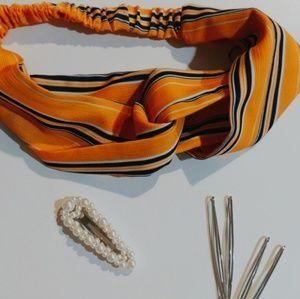 Hair clips & sunny colored headband☀️